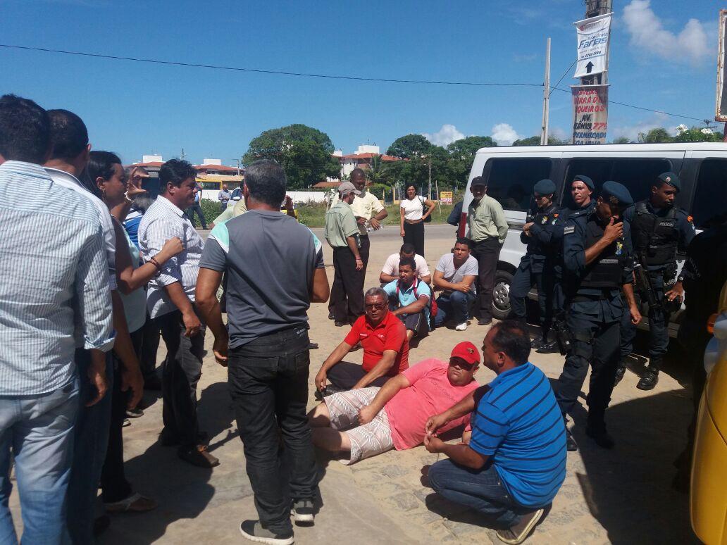 Sergipe – Cooperados de empresa de transporte deitam na rodovia ...